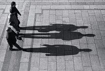 Οι νάνοι που νομίζουν ότι η σκιά τους είναι το μπόι τους!