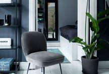 Lexi <3   I N T E R I O R / SCHÖNE, SCHÖNE LEXI ♡ Lexi ist unser Longuechair aus schimmernden Velour mit schlanken, langen Beinen aus Messing und Metall. Sie eignet sich perfekt als Stuhl in deinem Kleiderschrank, als Dekoartikel im Badezimmer oder als perfekter Partner für einen Schreibtisch in deinem Home-Office.