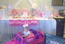 1st Birthday party Princess Style / Want to know how to decorate your #girl's1stbirthday so it would look like a #royal #princess #celebration? take a look at this production. Pink and Silver #princessstyle