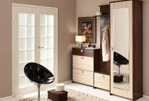 Прихожая  / Прихожую принято считать «лицом» квартиры или дома, ведь даже не попадая вовнутрь жилого помещения, её видят в первую очередь, стоит вам открыть входную дверь. Именно с прихожей начинается ваш дом, поэтому очень важно, чтобы мебель, установленная в ней, была не только красивой, но и удобной в использовании.   Зачастую теснота в прихожей связана не с её маленькой площадью – она и не должна быть огромной, а с неправильным выбором мебели.