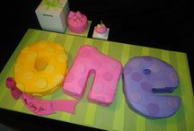 1st Birthday Parties / Special designs for that 1st Birthday Celebration.... from Tier Cakes to 3D Cakes and smash cakes...