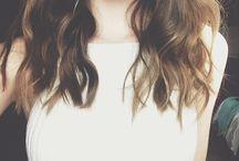 Włosy, makijaż, cera, paznokcie.