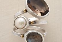 Fashion: Jewellery / by Jessica Taylor
