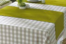 Cama mesa e banho