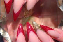 Leo - ZODIAC Inspired Nails / Ruled by the fiery Sun, Leo the Lion cannot be ignored. There's a sense of royalty surrounding this magnificent glamourpuss, whose warmth, charm and love of drama always puts them at the center of attention.  Express your inner lion with a collection of our bold and fiery colors!