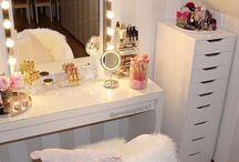 Makeup Corner*