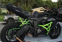 MOTORCYCLES - STUNTING