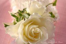 Boutonnieres ブトニア / 新郎が胸につける小さな花飾り
