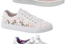 Sapatos botas e ténis