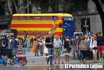 Catalanes salen a las calles con la Estelada a celebrar la Diada / Desde muy temprano los catalanes salieron a las calles a celebrar la Diada vistiendo los colores de la Estelada. Este año el debate soberanista ha empañado un poco la celebración sin embargo el ambiente se mantiene en las principales calles de Barcelona. #elPeriodicoLatino #latinotv #lesterburton #PeriodicoLatino #latinatv #ÚltimaHora #revistalatina #ellaslatina #vistazolatino #elempresariolatino #latinophotopress #sudamericanadetelevision