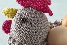 cestas e galinhas de croche