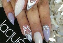 Nails<<