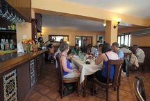 Bar Cabaña Restaurant / Décadas antes que el Malecón fuera construido, esta zona fue testigo de la llegada de barcos entrantes con miles de recién llegados de Europa y otros lugares. En la actualidad, desde la terraza del restaurante La Cabaña se pueden observar a los visitantes que llegan a la ciudad por mar. / by Paseos por La Habana