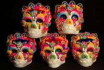 Dia De Los Muertos / Images of the Mexican holiday honoring the dead