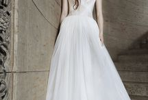 One Vera Wang Gown... Five Ways!