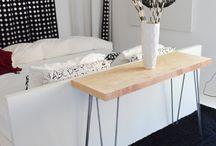 Consola table