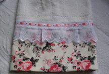 asciugamani con bordo in tessuto