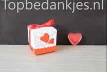 Bedankjes bruiloft, bedankjes huwelijk, trouwen, bruiloftbedankjes, huwelijksbedankjes / Topbedankjes.nl verkoopt voor slechts € 0,75 per stuk (exclusief verzendkosten) betaalbare bedankjes kinderfeestjes, geboortebedankjes en huwelijksbedankjes.
