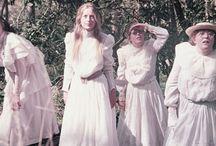 Costumi vari per collegiali / Divise e abbigliamenti comuni nei collegi reali e cinematografici
