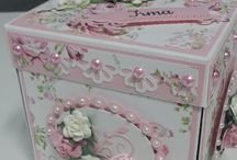 Decorating boxes