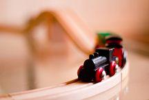 Juguetes de madera, naturalmente! / Somos una tienda de juguetes de madera, así que esta materia prima, nos vuelve locos!. en este tablero, sólo encontrarás esas pequeñas joyas que hacen de la madera nuestro material favorito!