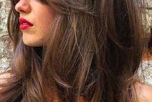 Lange Haare.   Haare