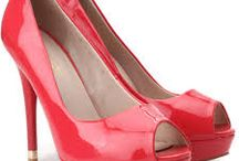 Women's Footwear / One of the best places to buy cheap footwear for women in India. We offer you a daily deal on various items that decent price.