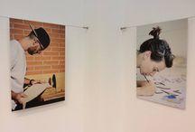 Mostra TALENTS STORIES, nuovi talenti creativi / A Week Hand abbiamo ospitato la mostra Talents Stories: le storie di chi si è messo in gioco riscoprendo vecchi mestieri, ha scelto di inseguire i propri sogni ed ha fatto della propria passione un lavoro. Artigiani e artisti sono ritratti nei loro studi e laboratori, ognuno racconta la sua storia, ognuno descrive il suo lavoro. http://co-hive.com/