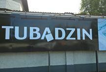 Tubadzin / Tubadzin: Lengyelország egyik legnagyobb burkolólap gyártója. Megjelenésére a kiváló design, az újszerűség és többek között a kiváló minőség a jellemző.
