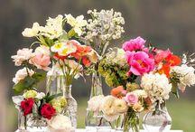 frascos con flores para decorar