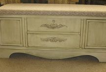 Grandma's hope chest / Furniture