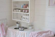 Kids  Rooms.... / by Lucila Sedano