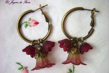 Flores / Piezas de Bisuteria y Complementos realizados artesanalmente. Esta colección está basada en el mundo floral