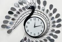The most graceful peacock.  / Taiyo Shoji Elegant Peacock Designers Wall Clock