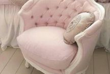 Reupholstering Ideas / Brighten up your home or office with newly upholstered settees and chairs.
