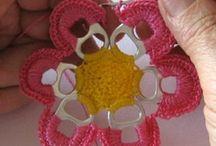 flor con anillas de bebidas