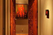 Uşile de interior, detaliul subtil care oferă stil unei locuinţe / Aspectul interior al căminului depinde în mare măsură de uşile de interior, deşi majoritatea proprietarilor nu le acordă importanţă.  http://media.imopedia.ro/stiri-imobiliare/usile-de-interior-detaliul-subtil-care-ofera-stil-unei-locuinte-20825.html