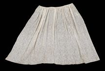 18th c. Aprons / by Kate {Beatriz Aluares}