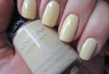 Yellow polish collection