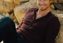 Simon Baker / Somebody who has great smile and hair
