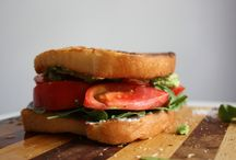 Supermechanical Sandwiches / Sometimes bread is just a vehicle for tomatoes.
