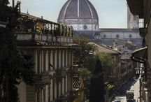 Firenze / Se decidete di soggiornare presso il Wow Florence per visitare e conoscere Firenze siete nel posto giusto.  Siamo infatti all'interno del Centro Storico di Firenze (Patrimonio Mondiale Unesco) a pochi minuti dalla Galleria dell'Accademia (David di Michelangelo), dal Museo di San Marco (Beato Angelico), Piazza Santissima Annunziata (Loggiato degli Innocenti del Brunelleschi).  In soli 10 minuti si raggiungono la Basilica di San Lorenzo (Sacrestie di Donatello e Michelangelo) e piazza del Duomo
