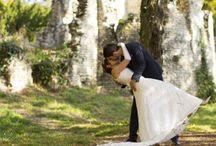 Couples de Mariés / Photos de jolis couples de jeunes mariés dans les paysages magnifiques du sud ouest de la France. Des moments d'émotion et de complicité à deux, des regards, des caresses, des souvenirs magiques.