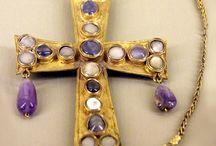 Medieval jewellery