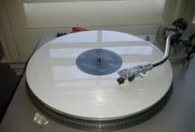 iLoVinyl / Hot Wax, Plates of Plastic, Grooved Rounded Sound. All things Vinyl records.