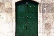 Kapılar. / Her kapı başka dünyaya açılıyorsa...