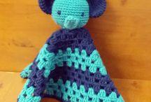 Crocheting / Knotting
