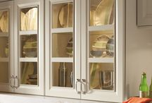 Glass Kitchen Cabinets / Glass cabinets are an excellent way to add an extra touch to your kitchen. #prescottkitchens www.prescottkitchens.com