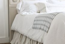 DIY Bed Skirt / Ideas for DIY bed skirts! I love anything with linen, ruffles, cream and light colors.