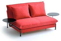 Möbel mit Funktion / Sofas mit Schlaffunktion, Garnituren mit Funktionsarmlehnen oder Funktionsrücken